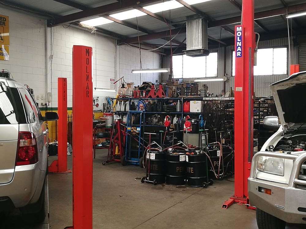 Salisbury Transmission have designed specialty equipment to make all transmission repair work more efficient